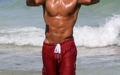 [PIC] BODY BEAUTIFUL: SHEMAR GIVING MORE!!!